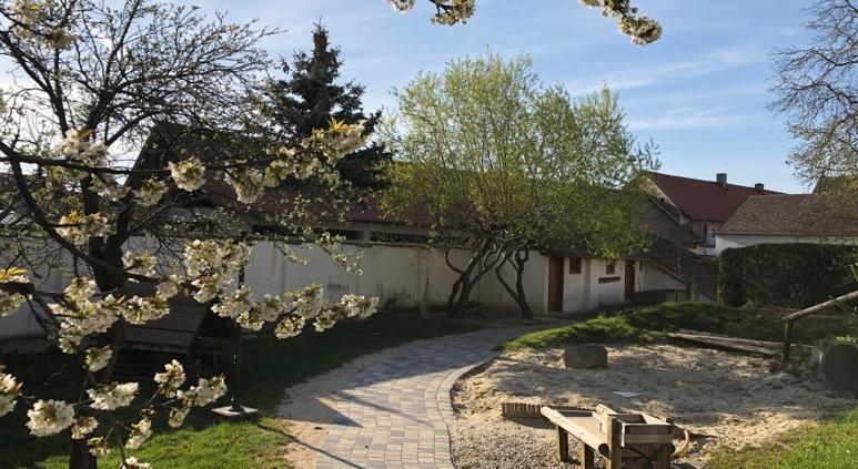 Die Kindergarten Gartenanlage Co Stadtgemeide Pulkau